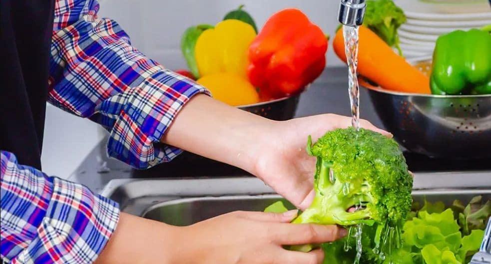 menyimpan sayuran di kulkas supaya tahan lama